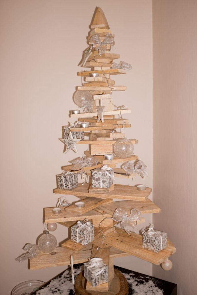 Maak je eigen houten kerstboom