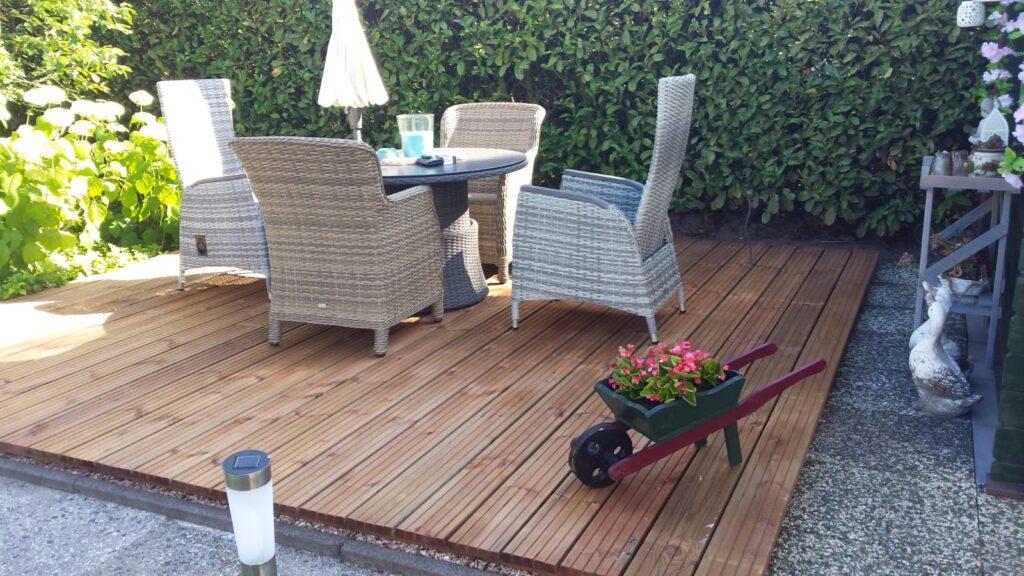 De vlonder: een heerlijk terras in eigen tuin